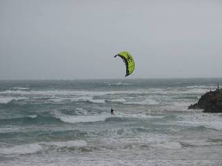 kite surfer turning